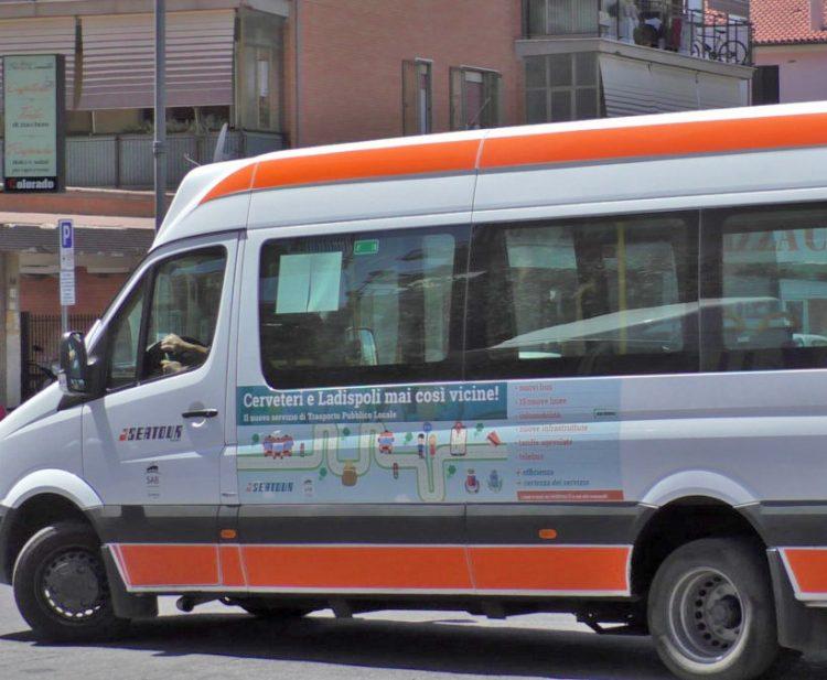 Scuola, cambiano gli orari dei bus