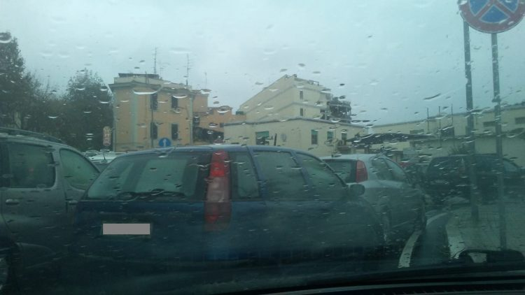 Drive-in, traffico in tilt a porta Tarquinia
