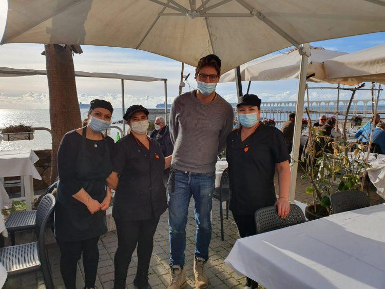 Gabriel Garko a pranzo a Civitavecchia