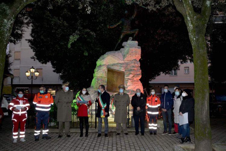 Inaugurato il nuovo impianto di illuminazione ai Caduti