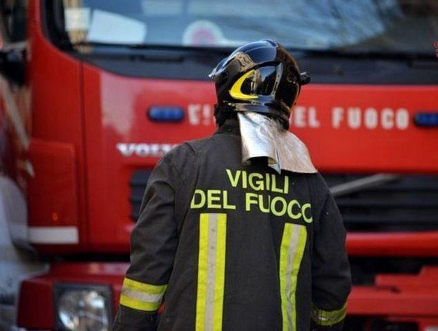 Raffiche di vento e maltempo: Vigili del fuoco al lavoro