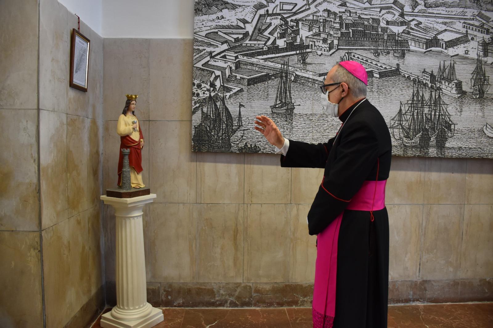 Porto, benedizione del vescovo dalla sede della Capitaneria