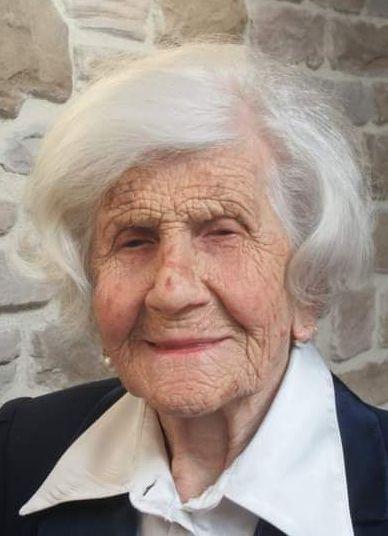 Tolfa, a 107 anni la signora Fiorina Fiorelli è tra i primi vaccinati in Italia