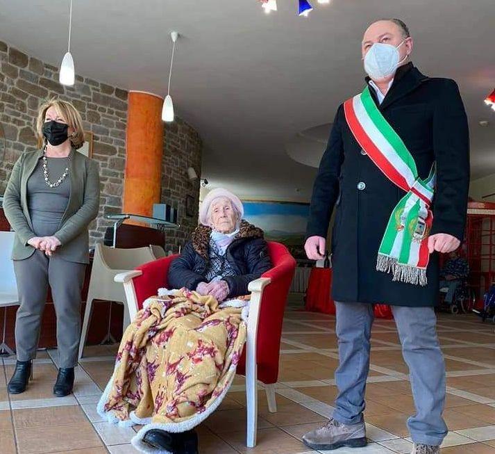 Fiorina Fiorelli, 108 anni,     conquista tutta Italia