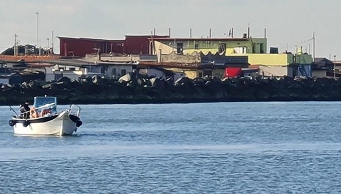Ancora pescatori di frodo      a Fiumara grande:      continua la mattanza delle spigole