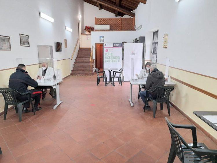 Vaccini liberi, il centro di Tarquinia resta attivo