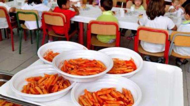 Disservizi per la mensa scolastica: stilato un protocollo tra Comune di Civitavecchia e comitato
