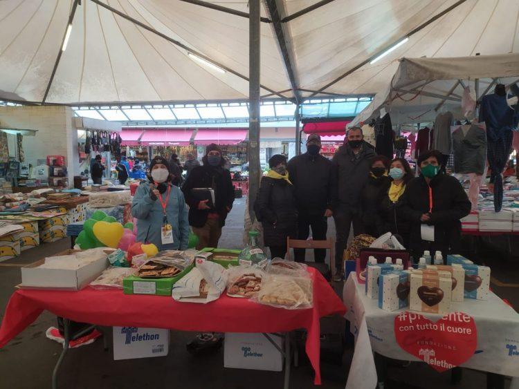 Carnevale: al mercato frappe, castagnole e dolci