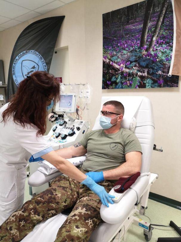 I paracadutisti dell'esercito continuano a donare sangue al Policlinico Gemelli