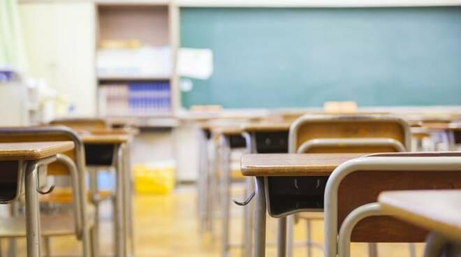 Covid, Sileri: scuole aperte dopo Pasqua anche in zona rossa