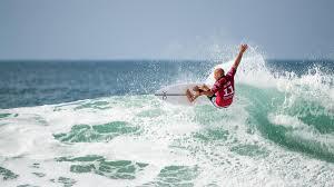 Uno stadio del surf nella spiaggia  di Banzai e nuovi spot sul litorale