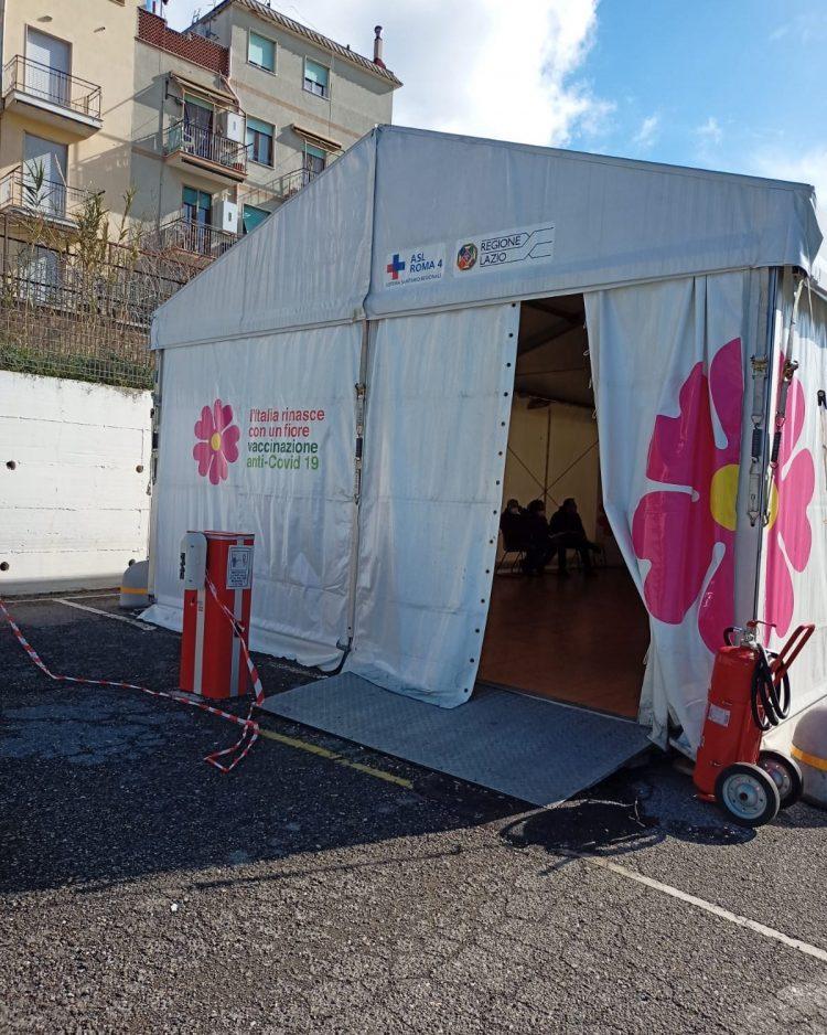 Ospedale di Civitavecchia e vaccini: l'esperienza di una novantenne