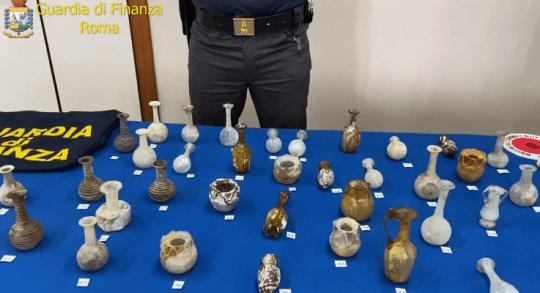 Gdf, scoperto museo archeologico: denunciato il proprietario per detenzione illecita di beni culturali appartenenti allo Stato