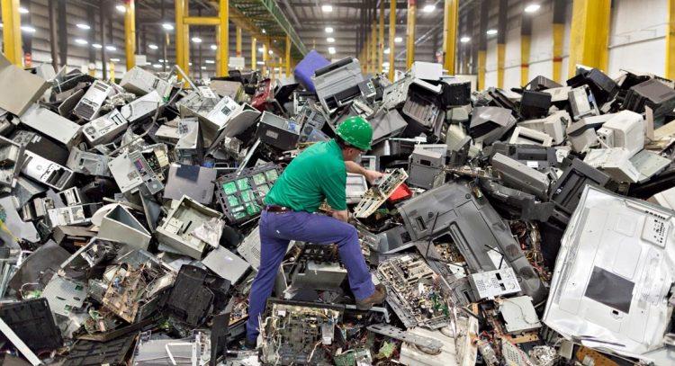 """Raee Lab"": studenti alla scoperta dei rifiuti elettronici"