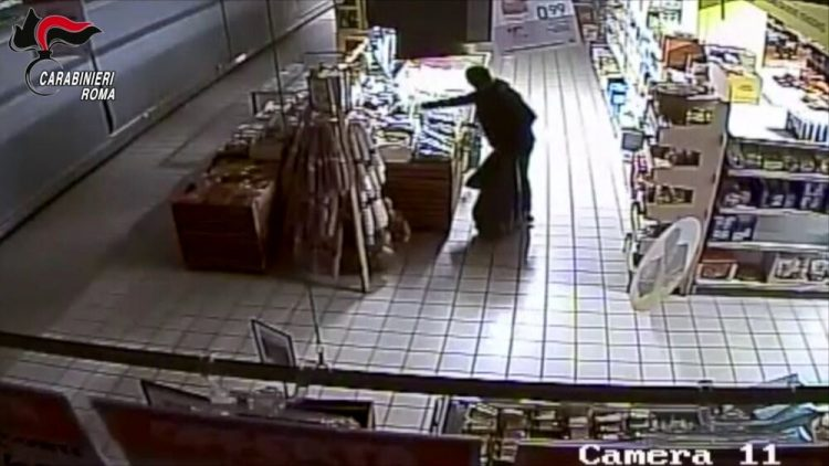 La banda dei supermarket incastrata dalle telecamere