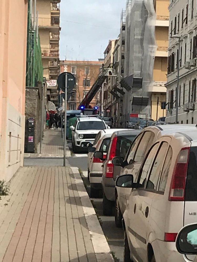Alienata e barricata in casa: intervento dei Vigili del fuoco