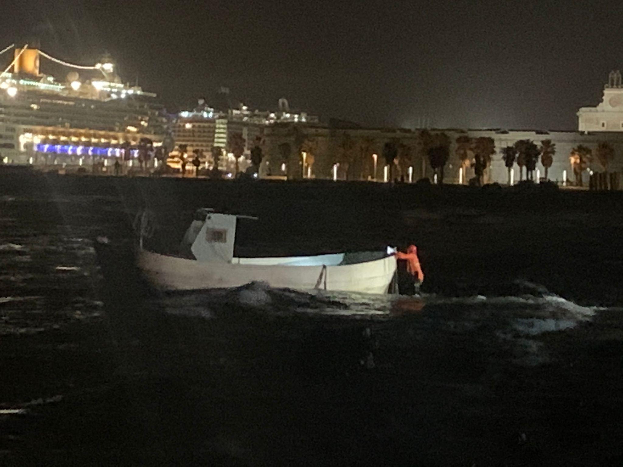 Imbarcazione alla deriva al Pirgo: intervengono i Vigili del fuoco