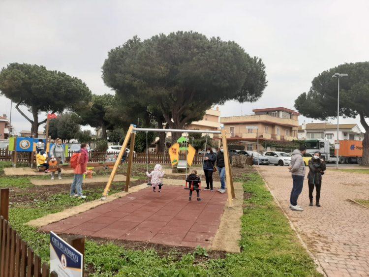 Taglio del nastro per l'area giochi di Largo Verrocchio