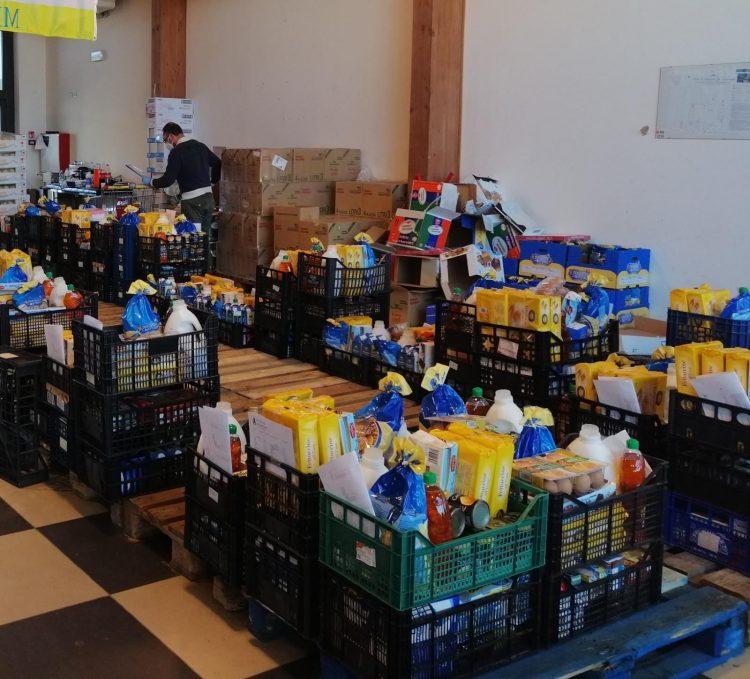 Prosegue la raccolta alimentare anche a Fiumicino: 900 pacchi distribuiti in tre mesi