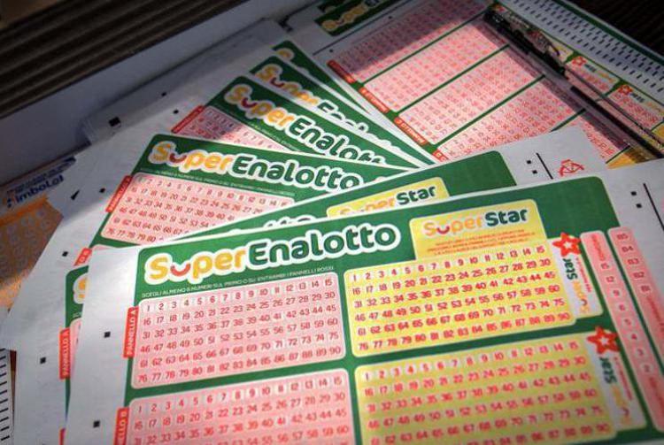 SuperEnalotto, centrato '5+1' da oltre 600mila euro