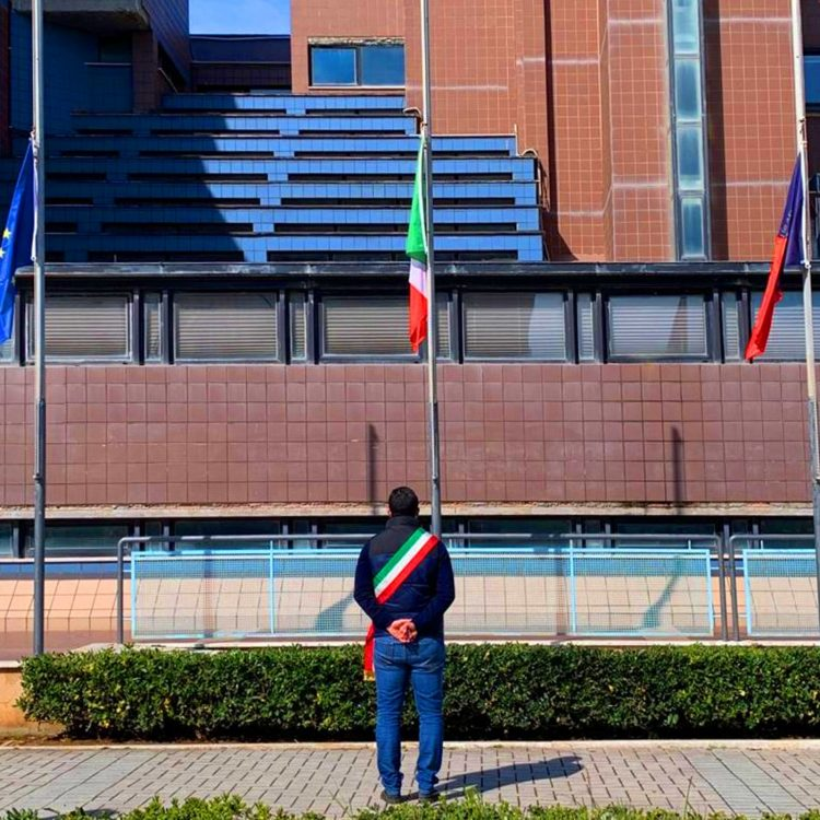 Bandiere a mezz'asta a Ladispoli
