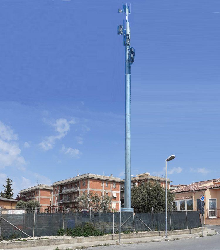 Antenna Iliad vicino alla scuola materna: monta la protesta dei residenti