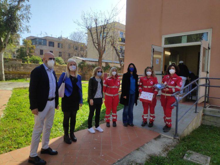 Civitavecchia, consegnate pizze di Pasqua solidali alle strutture sanitarie e sociali del territorio