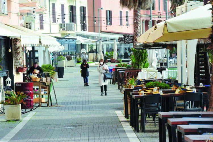 Riapertura ristoranti, pedonalizzazione     del centro per facilitare i commercianti