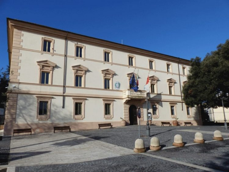 Comune di Tolfa e Università Agraria firmano la convenzione con il Cai