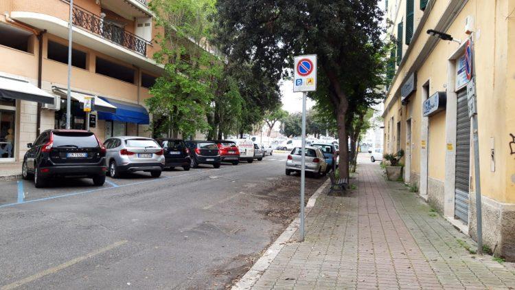 Parcheggi disabili sempre occupati e nessun controllo: l'appello di un civitavecchiese