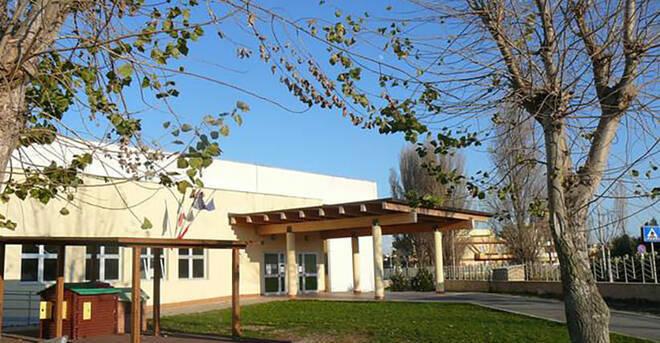 Casi in aumento: chiude la scuola di Passoscuro
