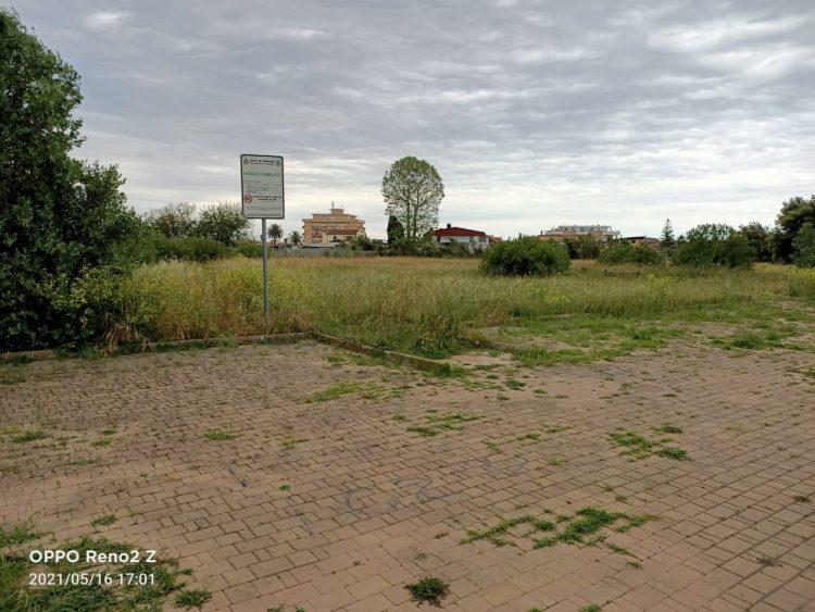 Degrado in via Bastianelli:  «Un parco pubblico abbandonato»