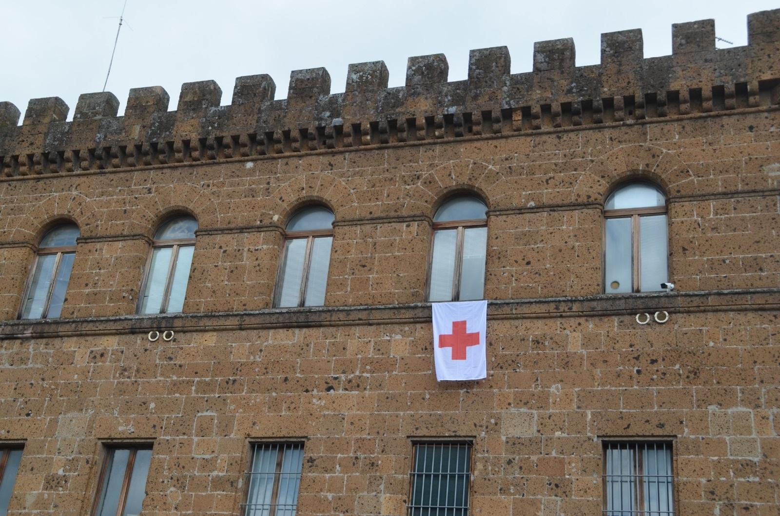 Giornata mondiale della Croce Rossa: a Cerveteri bandiera fuori dal palazzo comunale