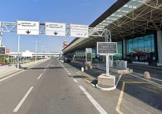 Botte all'aeroporto, agente della Polaria     aggredito da un abusivo ex pugile