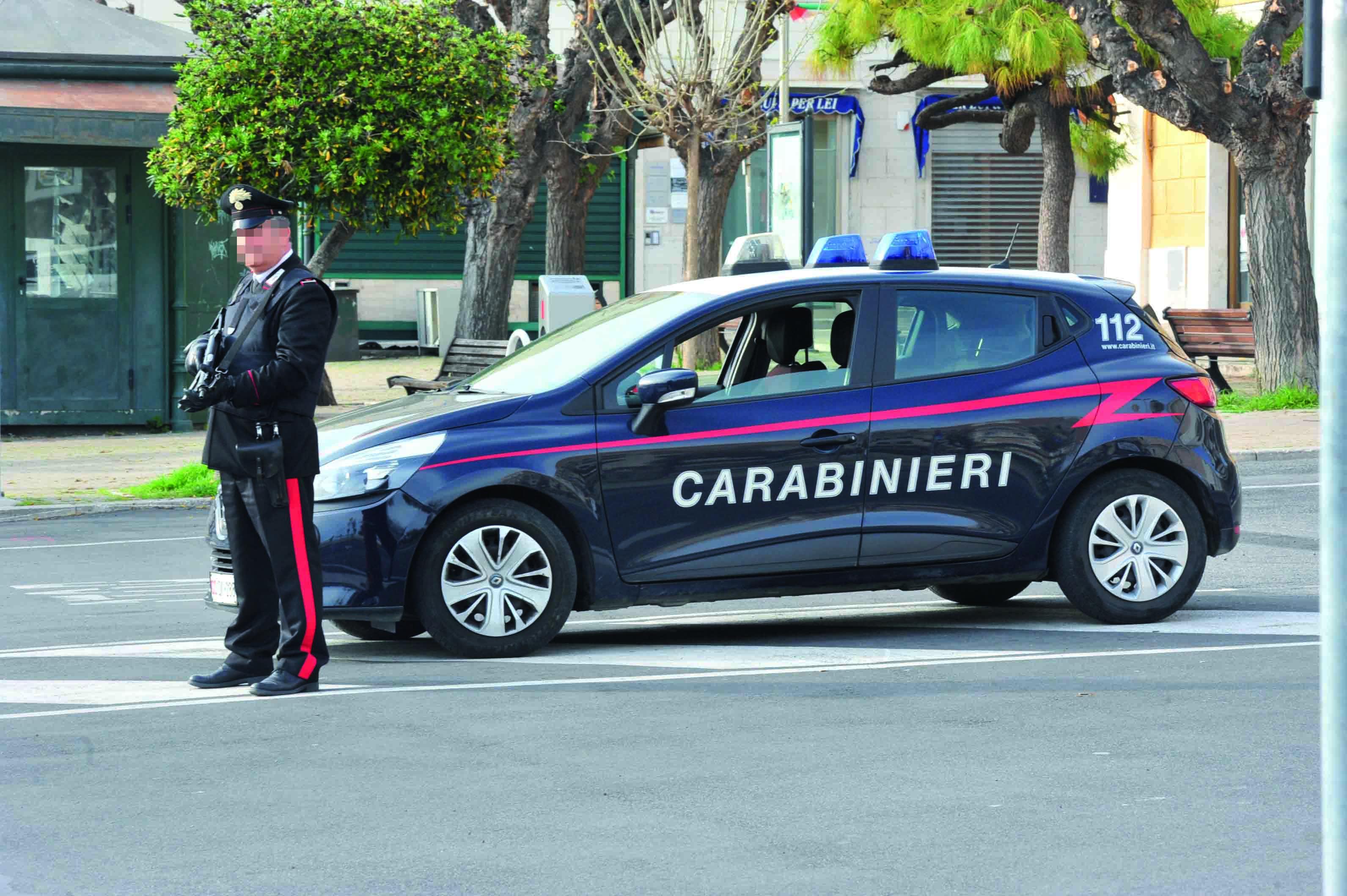 Ubriaco si scaglia contro i Carabinieri: arrestato 24enne