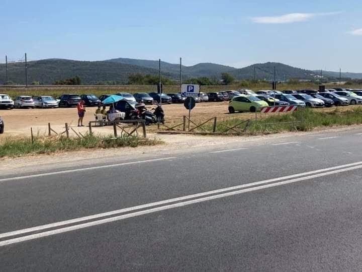 Parcheggi alla Toscana: è polemica