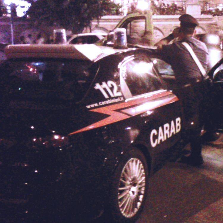 Ruba un ciclomotore e tenta la fuga alla vista dei Carabinieri: arrestato