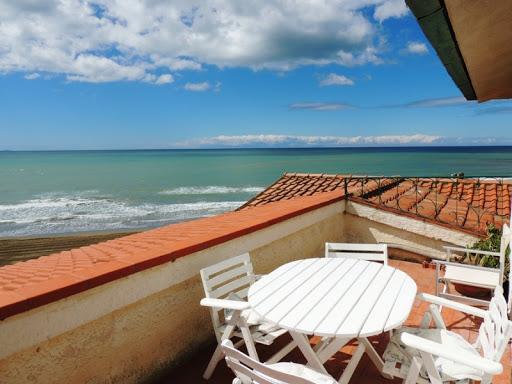 Immobili, Tecnocasa: tiene il mercato case vacanze, incrementi anche a Tarquinia, Montalto e Santa Marinella