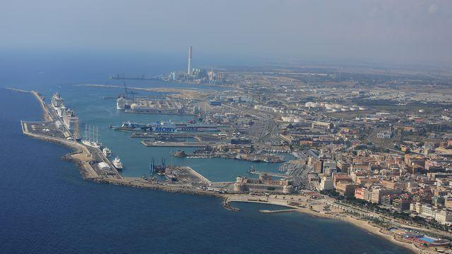 Porto vietato a bici e monopattini: i lavoratori si appellano a Musolino