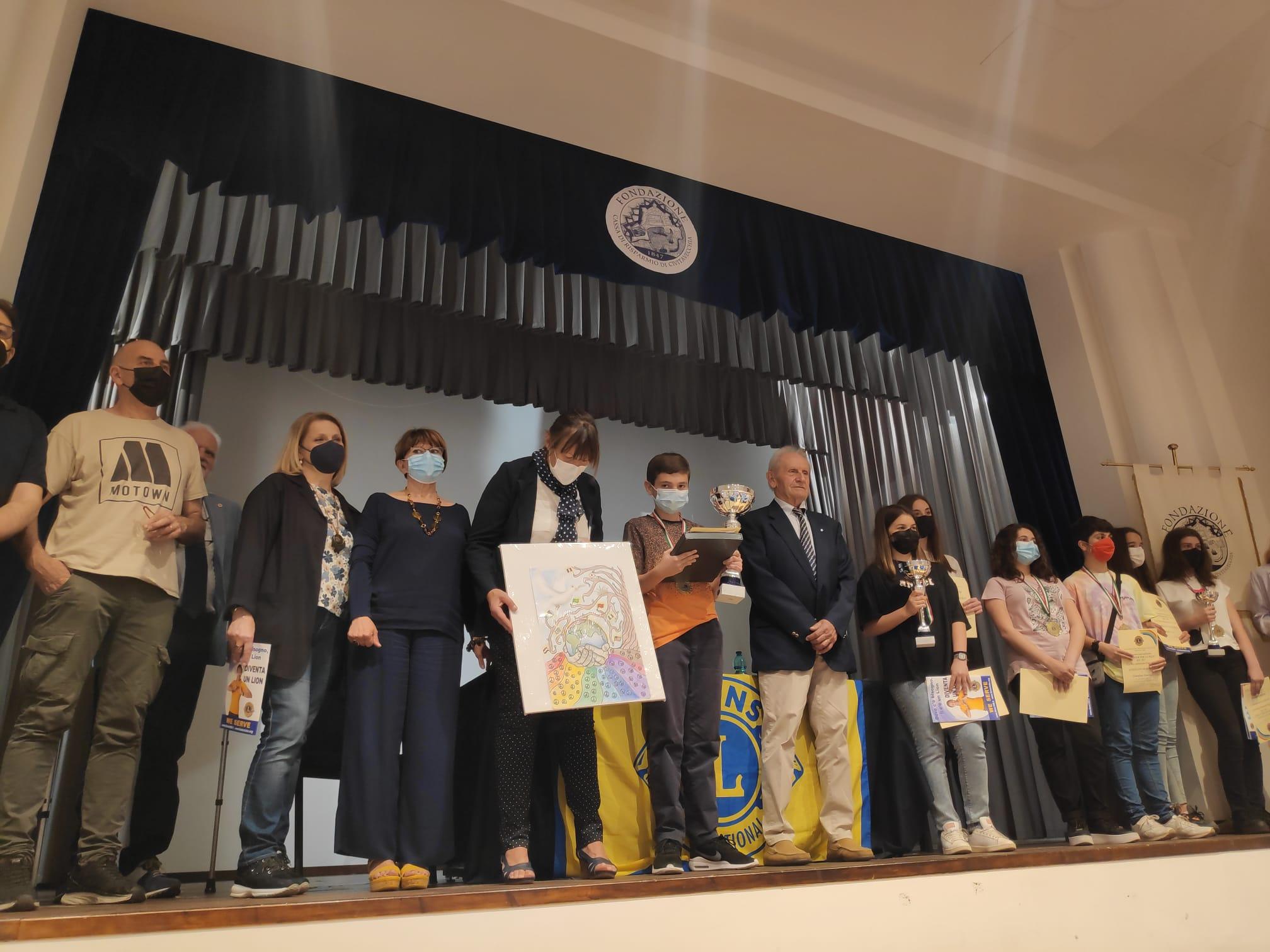 Un poster per la pace, premiati i vincitori locali del concorso