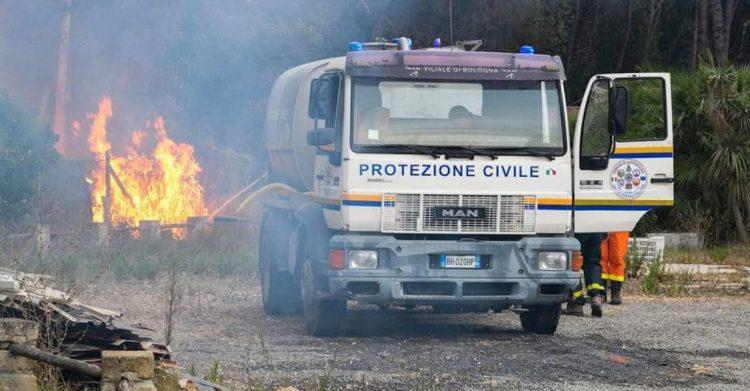 Incendi: impegno     importante     anche dei volontari     della ProCiv