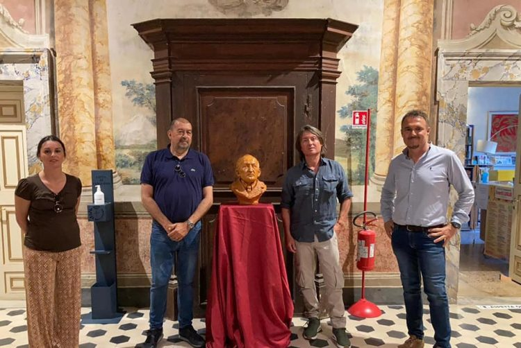 La biblioteca si arricchisce di un'opera  dedicata a Vincenzo Cardarelli