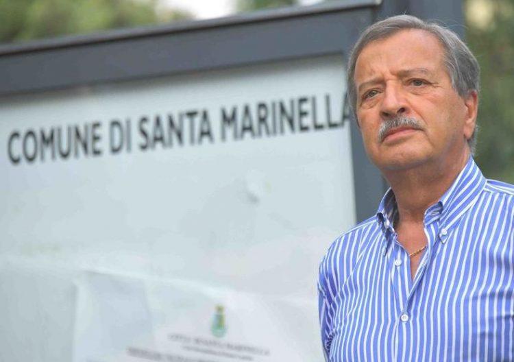 Spiaggia per cani e naturisti, il sindaco Tidei     invita al rispetto delle regole