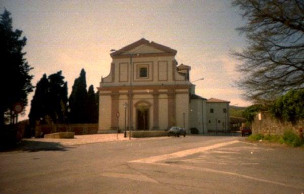 Modella fotografata nuda nella chiesa di S. Maria della Sughera di Tolfa: ferma condanna della Diocesi Civitavecchia Tarquinia