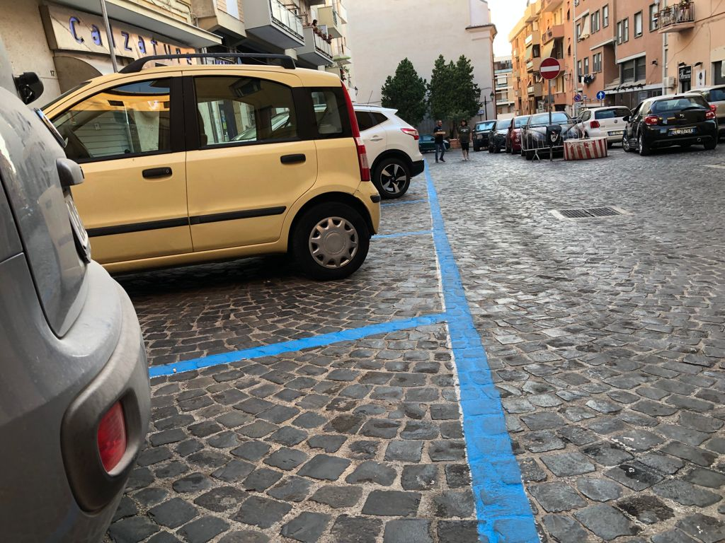 Parcheggi blu, la fascia pomeridiana non convince Confcommercio