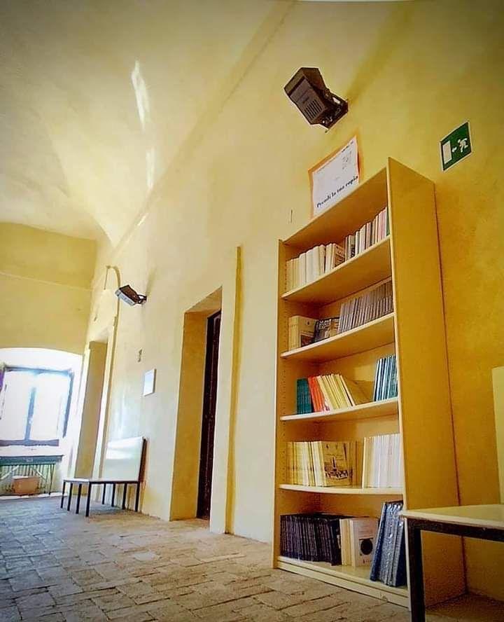 Libri di storia e poesia locale per riscoprire i valori della comunità
