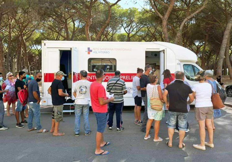 A Viterbo la nuova tappa del programma vax tour itinerante anti Covid della Asl: precedenza a badanti, colf e assistenti familiari