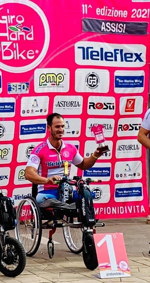 Tarquinia, Tiziano Monti vince il Giro d'Italia 2021 in handbike