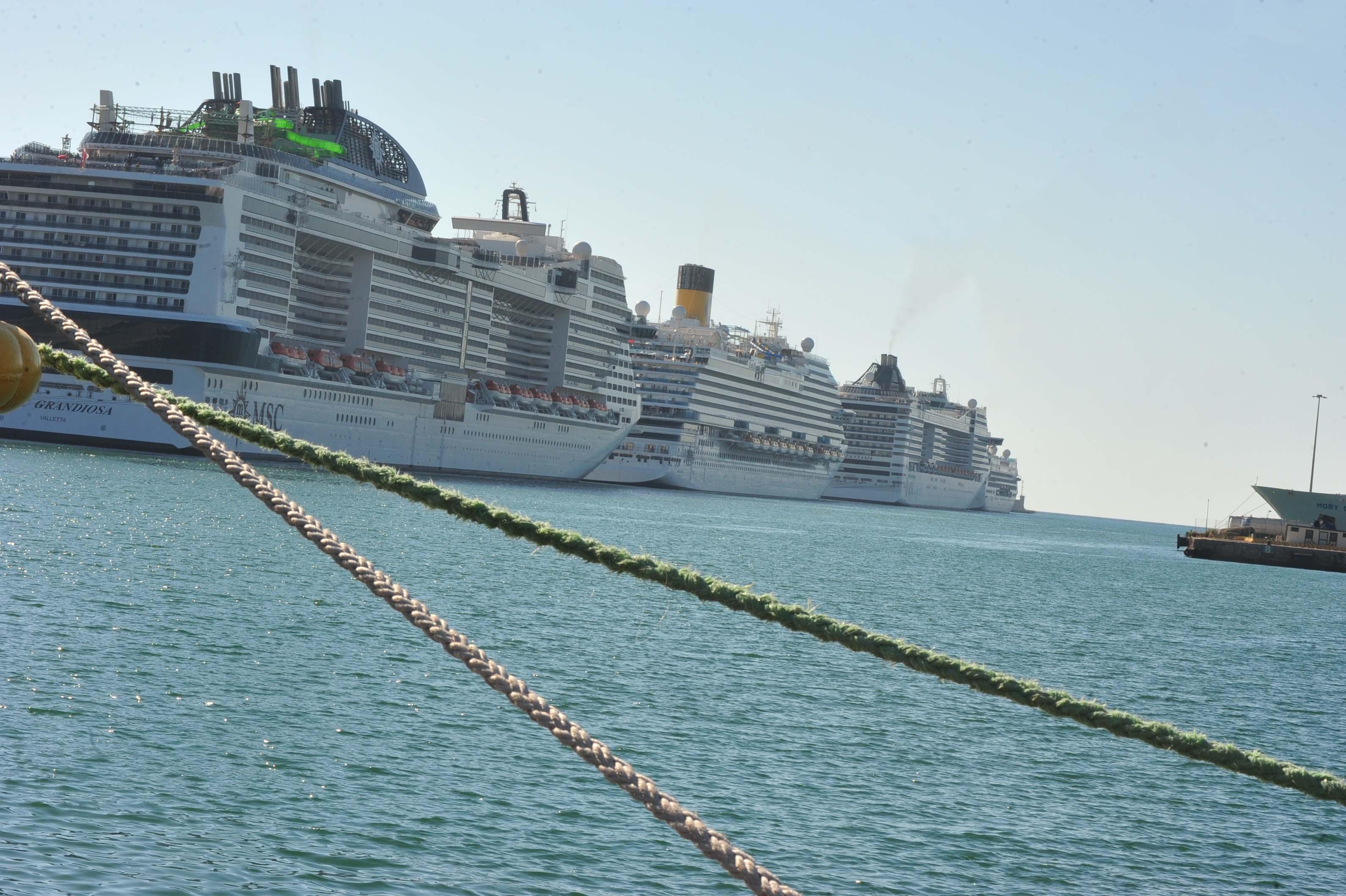 Mancati ristori ai porti, il Pd contro il Governo: «Atteggiamento che non può essere tollerato»