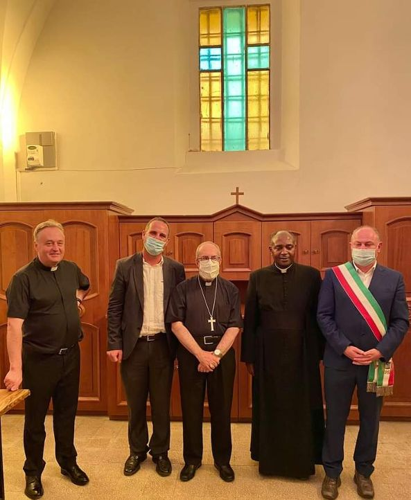 Don Martin Bahati si è insediato nella parrocchia di Sant'Egidio a Tolfa